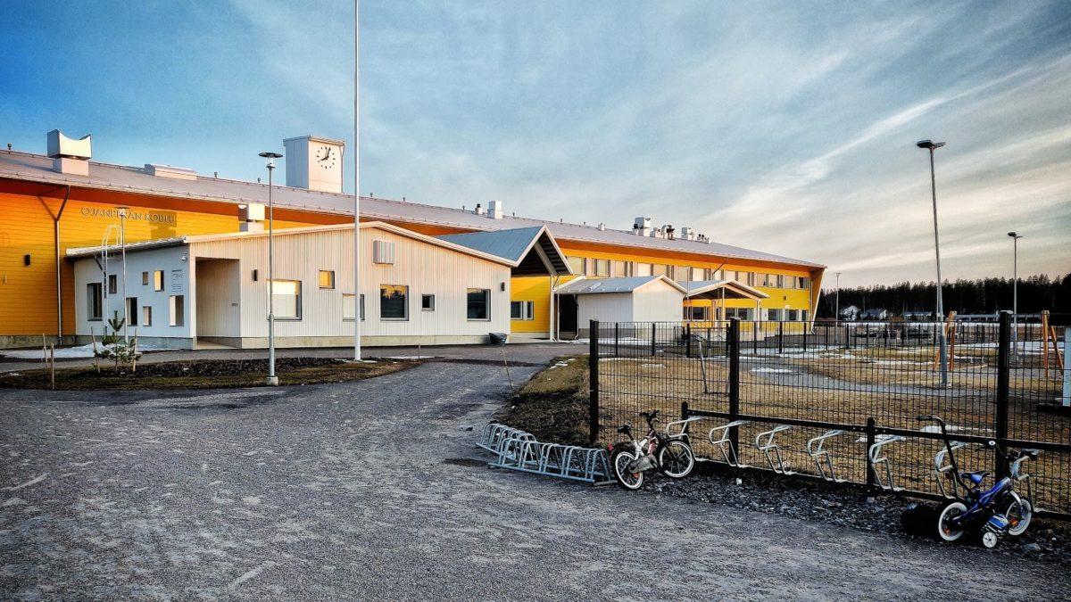 Ojanperän koulu laajakuva