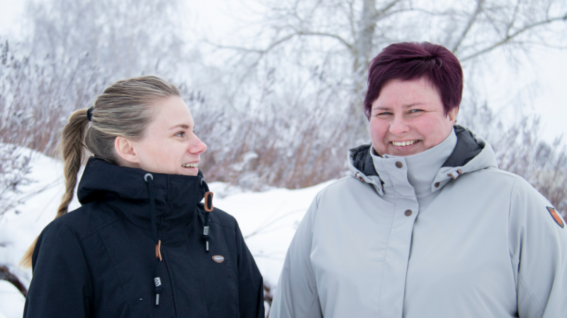 Limingan kunnan työhönvalmentajat Annukka Hanni-Niemikorpi ja Niina Niinimaa.